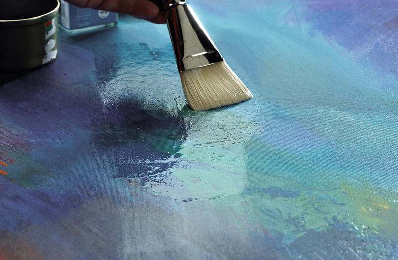 Fernissering av akryl- og oljemalerier